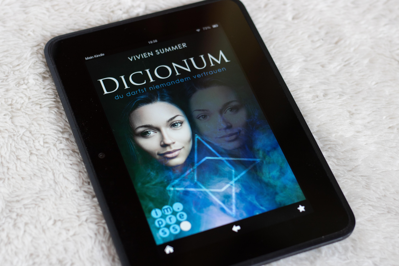 Buchrezension: Dicionum – du darfst niemandem vertrauen von Vivien Summer