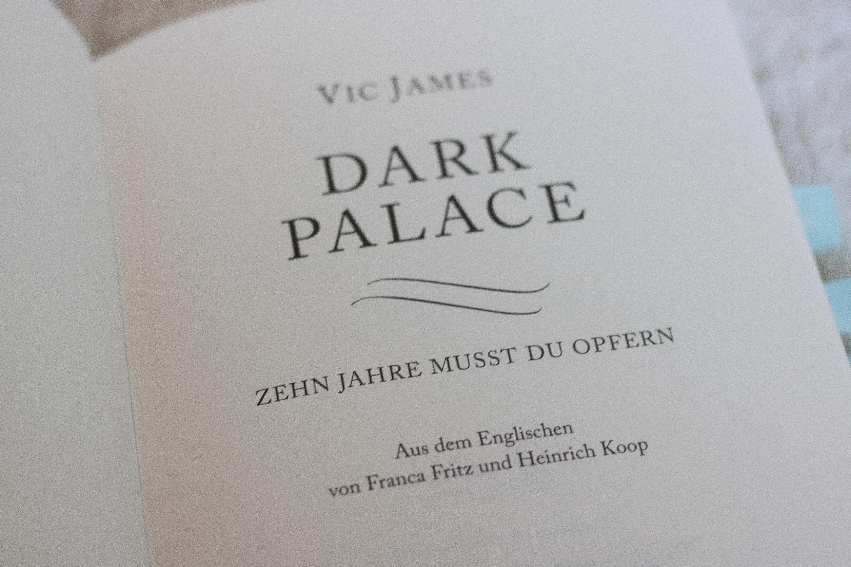 Buchrezension: Dark Palace – Zehn Jahre musst du opfern von Vic James