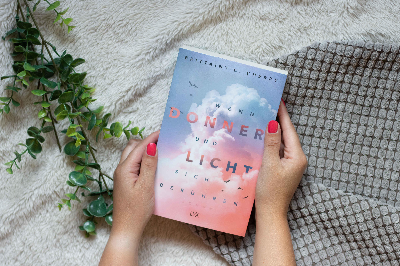 Wenn Donner und Licht sich berühren | Brittainy C. Cherry
